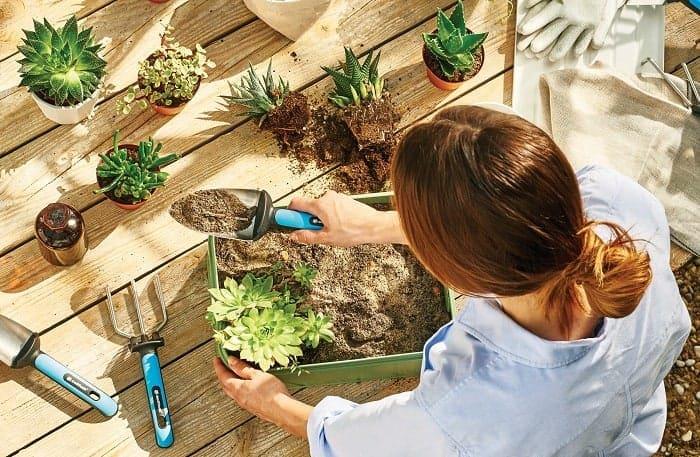Bay làm đất trồng cây, làm vườn cao cấp Cellfast Ergo Line (lưỡi rộng)