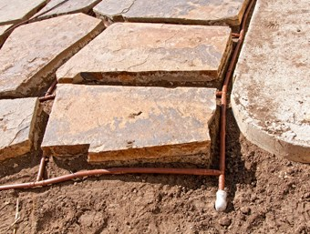 Đường dây ống tưới nhỏ giọt bù áp 17mm