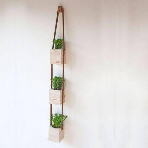 Những mẫu chậu hoa treo tường đẹp và dễ làm 27