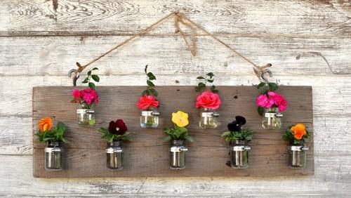 Những mẫu chậu hoa treo tường đẹp và dễ làm 30