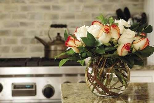 Giữ hoa tươi lâu ngày Tết