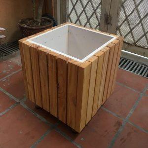 chậu gỗ vuông